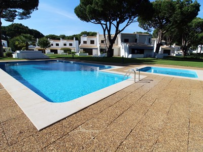 Vilamoura White - A Fabulous 2 Bedroom Villa with Pool just 1km from the Marina