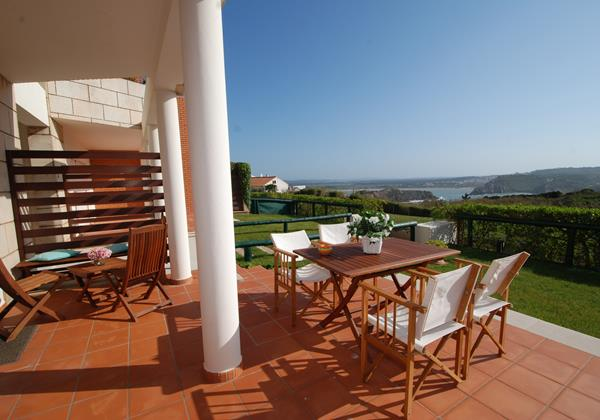 Private balcony in fantastic complex in the Silver Coast