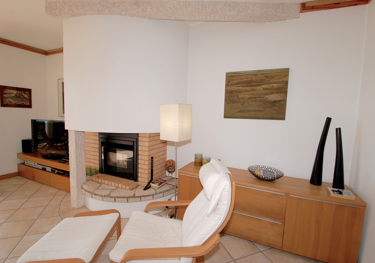 Lounge with fireplace in São Martinho do Porto