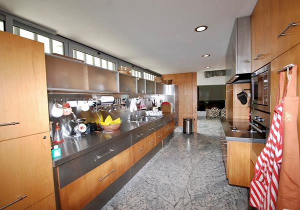 Extremely well equipped kitchen in holiday rental