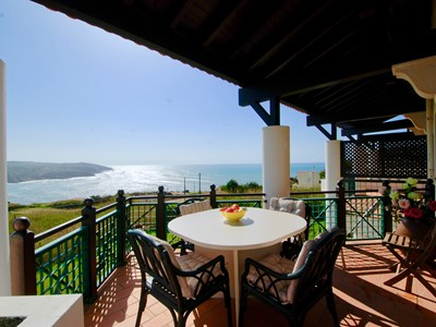 Port - Sea view 4 bedroom apartment in São Martinho do Porto with pools, tennis & squash court