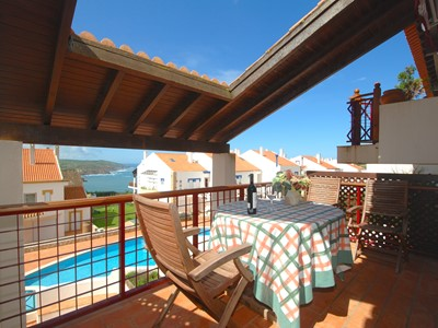 Cape - Lovely sea view 2 bedroom property with 2 balconies, pools and more...
