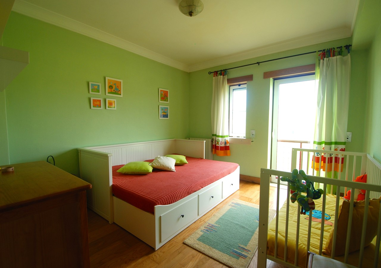 Double Bedroom with cot