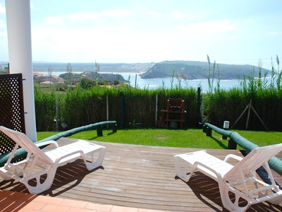 Mirror - Fine sea view 1 bedroom property (sleeps 4) in the heart of popular family complex in São Martinho do Porto