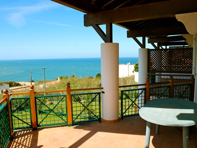 Port - Sea view 4 bedroom apartment in São Martinho do Porto with pools, tennis & squash court and Wi-Fi