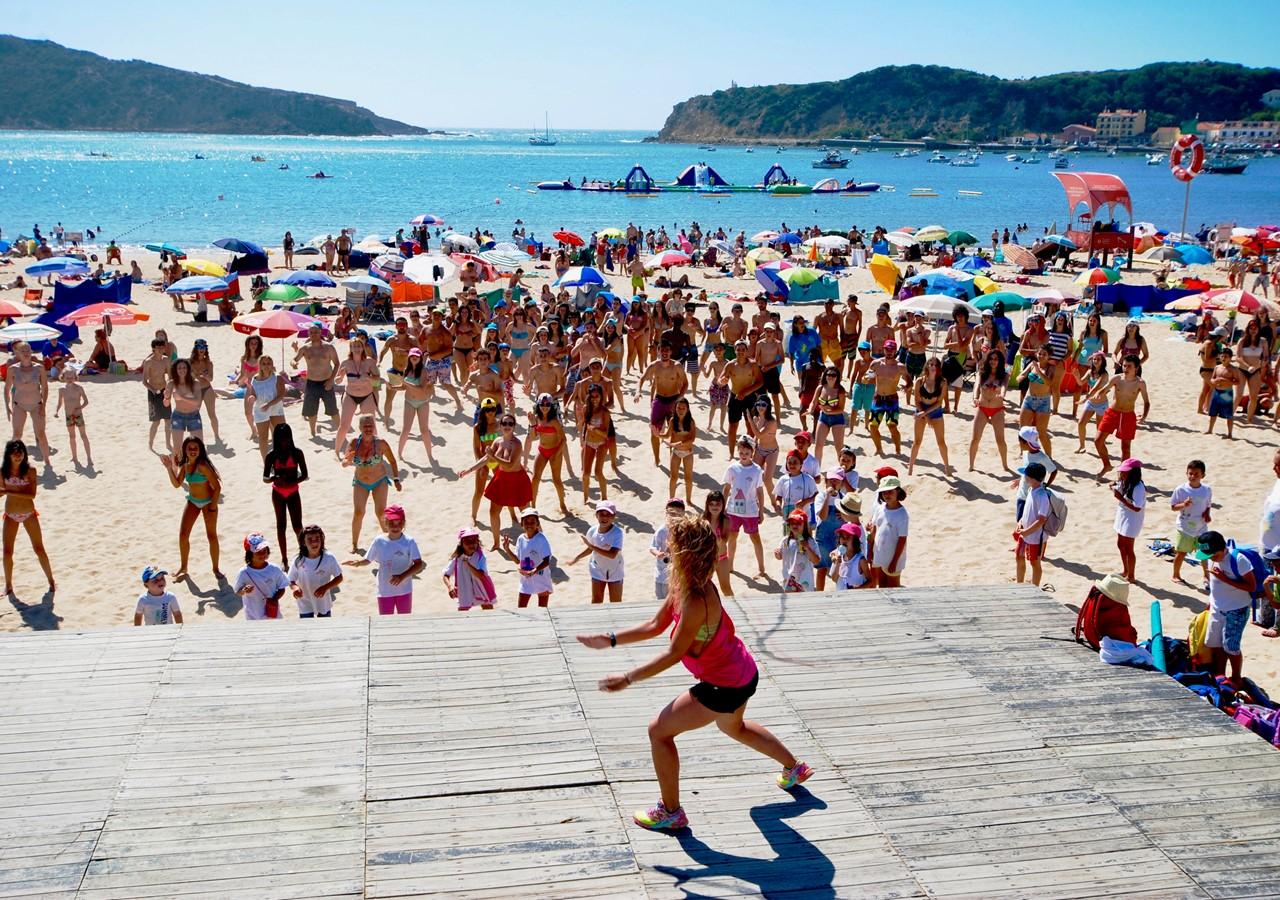 Aerobics on São Martinho do Porto beach