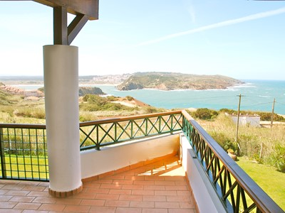 Shimmer - A wonderful 3 Bedroom apartment with spectacular Sea Views