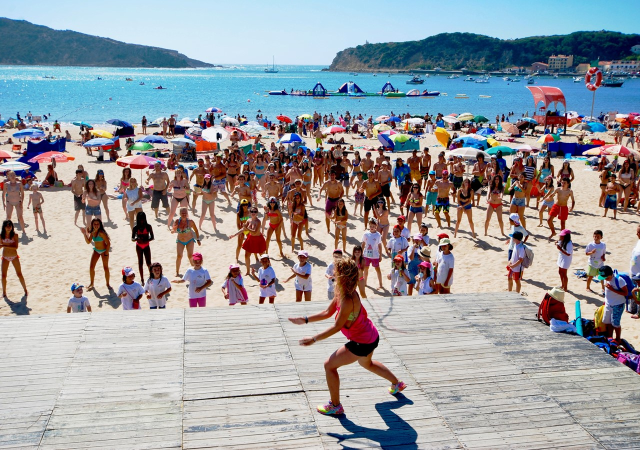 Aerobics on São Martinho do Porto beach