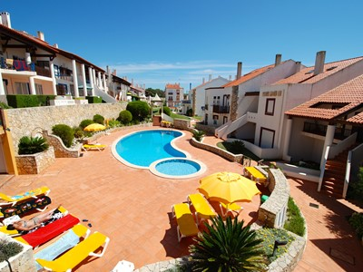 Starfish - Lovely 2 bedroom apartment with Sea Views within top Holiday Complex