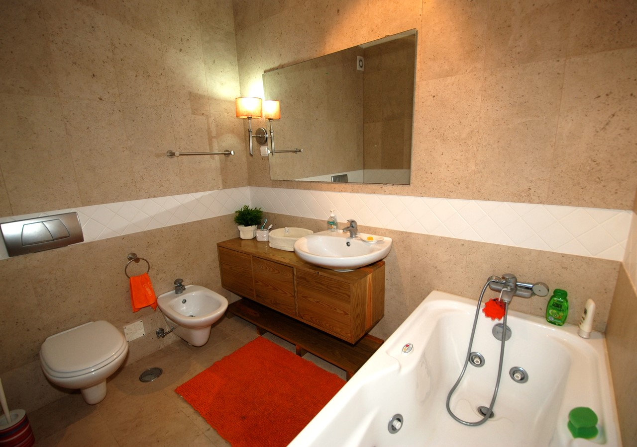 Bathroom with jacuzzi bath