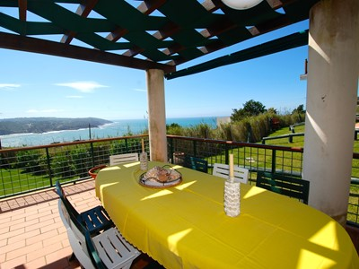 Cereja - Delightful 3 bedroom apartment in São Martinho do Porto with sea views, 3 pools and more...