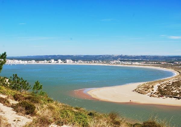 São Martinho do Porto bay