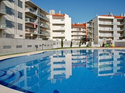 Shine - Stylish 2 Bedroom apartment (sleeps 4) just 200 meters from the beach and restaurants