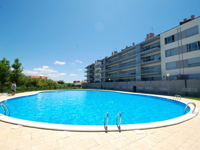 Silver Sands - Beautiful Top floor, 3 bedroom, luxury apartment by beach, with Sea Views, pool