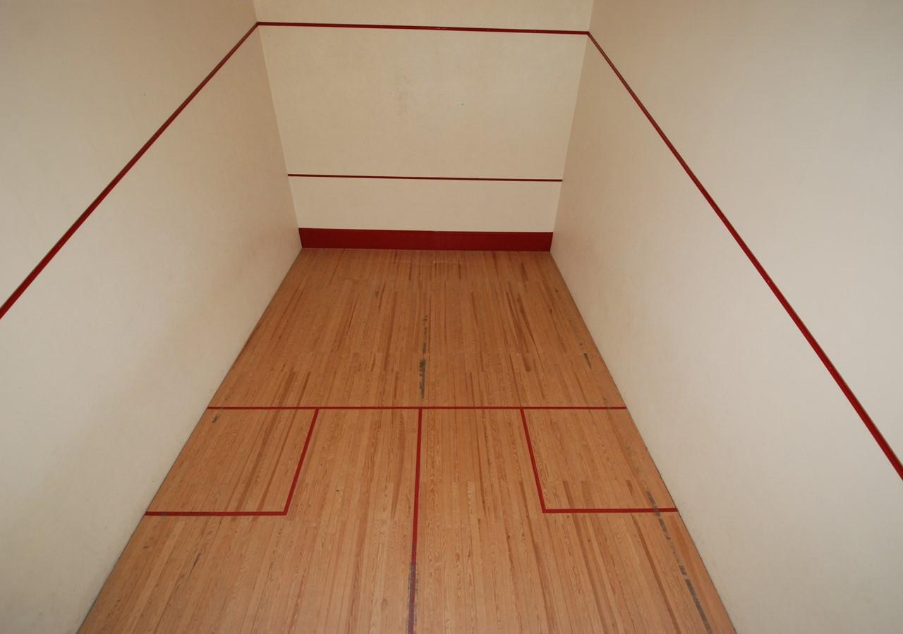 Squash court in Gilmafacho complex