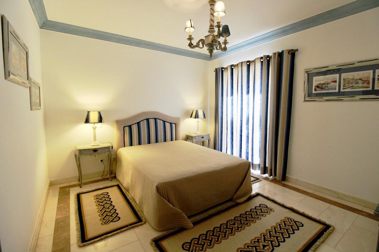 Double bedroom in Algarve villa