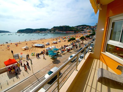 Beach House - Front line sea view apartment in Sao Martinho Do Porto