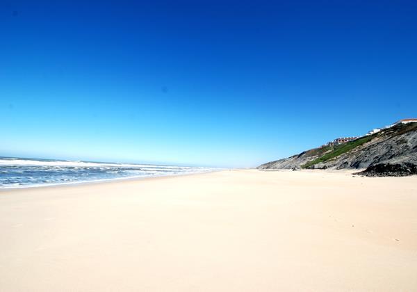 Pedra do Ouro beach