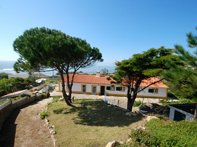 Glade - Sea view Villa with private gardens in São Martinho do Porto