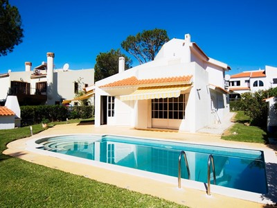 Villa Mianas Retreat - A Fabulous 4 Bedroom Villa with Private Pool just 3km from the Marina