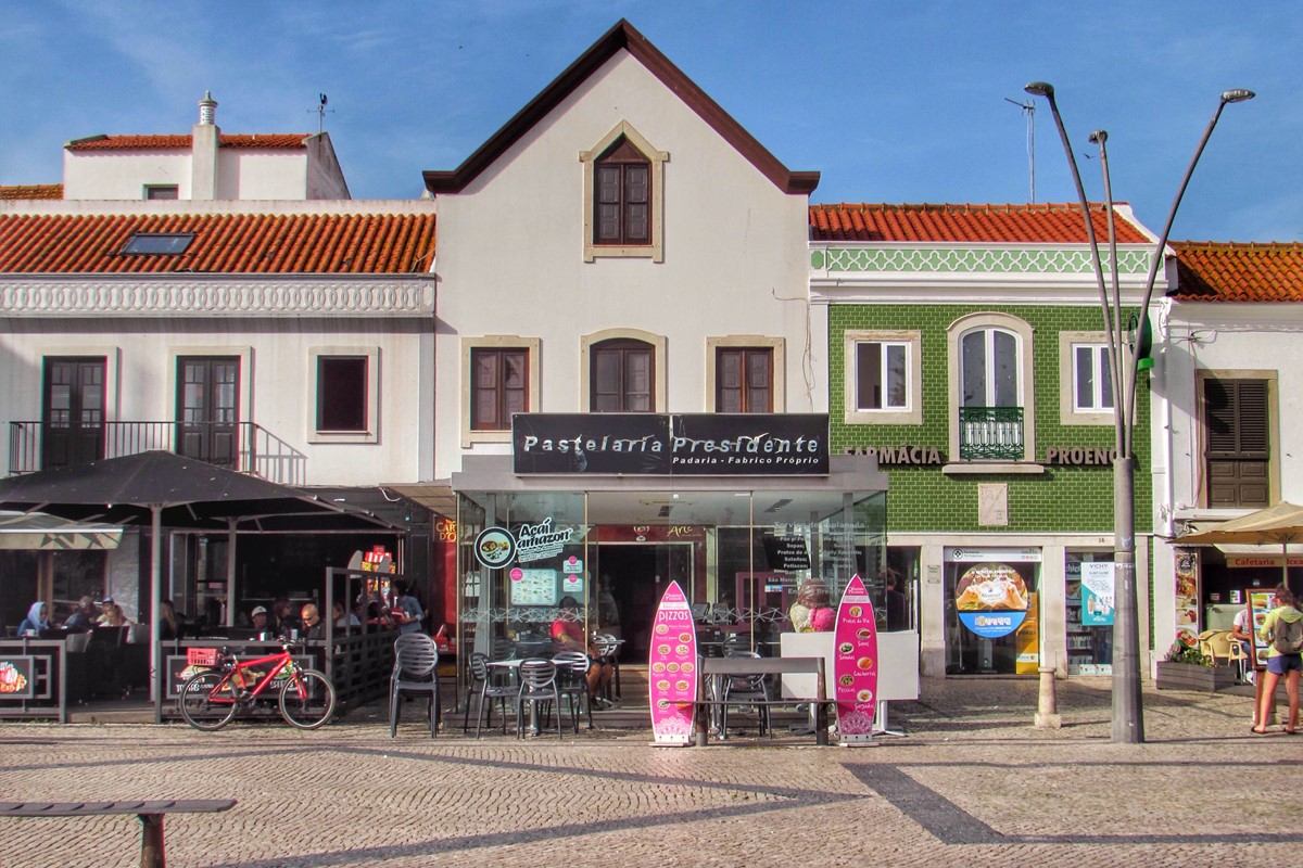Town Center Bars And Cafes Peniche