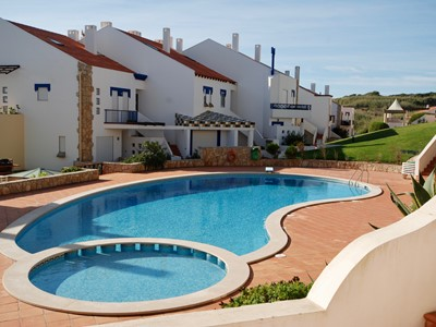 Kite - 2 bedroom apartment with sea view and swimming pool in popular São Martinho do Porto resort