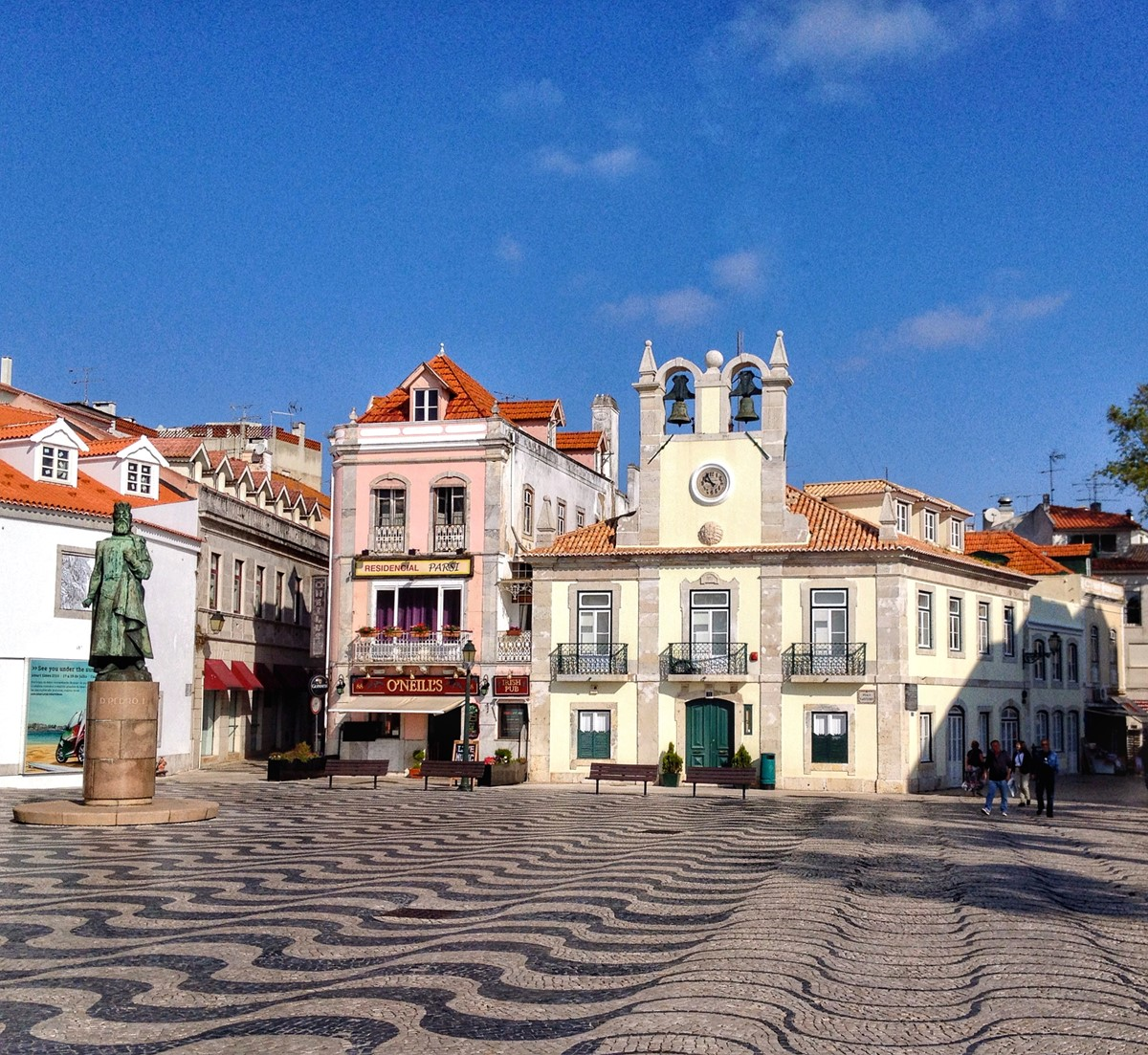 With A Large Historic Center Cascais Is A Pleasant Shopping Expereince 1