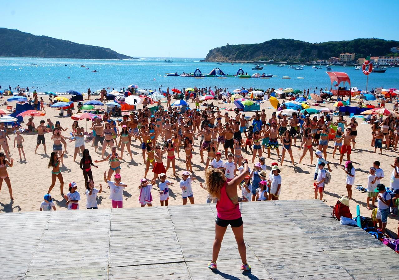 Fitness class on the beach of São Martinho do Porto