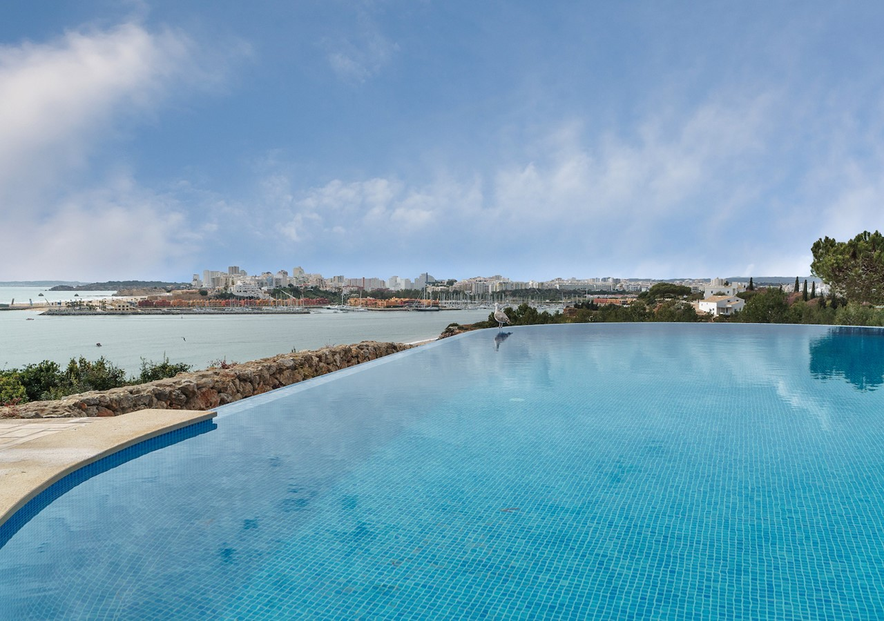 fantastic villa with infinity pool with view over the sea