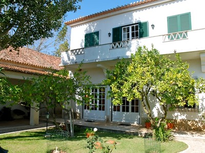 Quinta da Barreira - Superb 5 bedroom Villa with Private Pool within Vineyard Near Sintra, Portugal