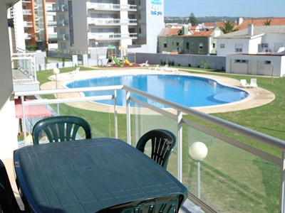Coast - Stunning 3 bedroom apartment in ideal location just 2 minutes walk to São Martinho do Porto beach