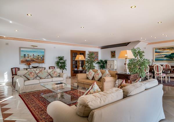 Comfortable Lounge With Free Wi Fi In Algarve Rental Villa