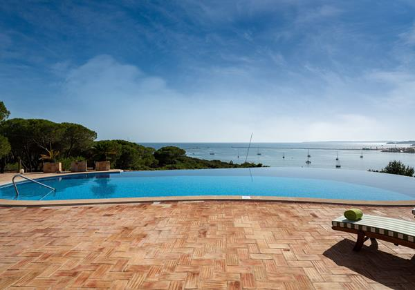 Fantastic Pool Area With Amazing View
