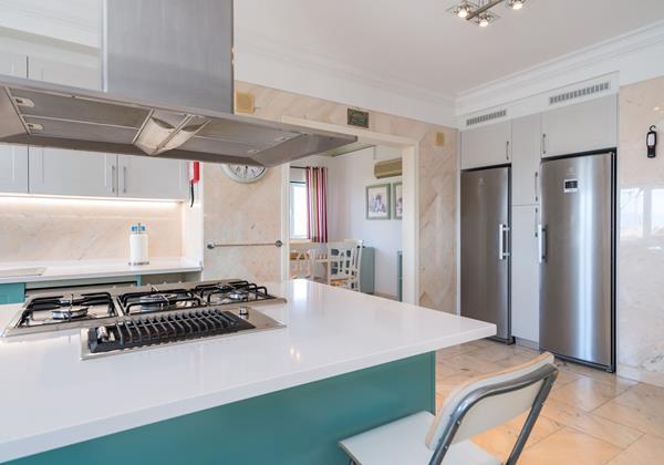 Large Beautiful Kitchen