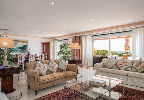 Luxurious Lounge In Holiday Rental In Algarve