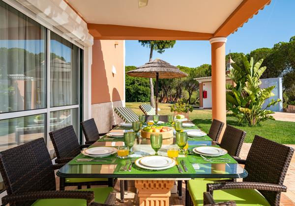 Spacious Outside Dining Area